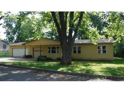 3 Bed 1 Bath Foreclosure Property in Muskogee, OK 74403 - Sharon St