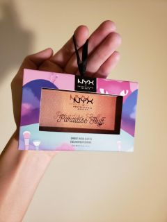 """Perfect new giftable beautiful NYX ombre highlighter! """"Paradise Fluff"""" Holiday 2018 collection!Made to hang on ribbon to look like ornament!"""