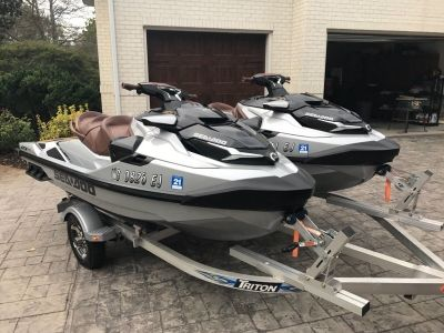 Pair of 2018 Sea-Doo GTX 300