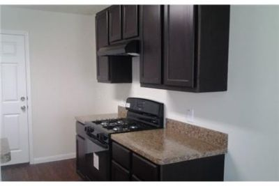 Rosharon, 1,539 sq. ft. - ready to move in. Washer/Dryer Hookups!