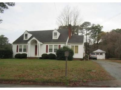 3 Bed 2 Bath Foreclosure Property in White Stone, VA 22578 - Beach Rd