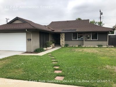 REMODELED HOME IN A PERFECT ARCADIA NEIGHBORHOOD