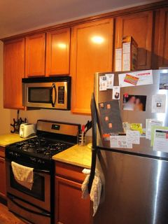Aug 1 Fully Loaded  Modern 2 Bed in Prime Lakeview, Porch, Laundry in Unit, HVAC, Dishwasher + Cats ok