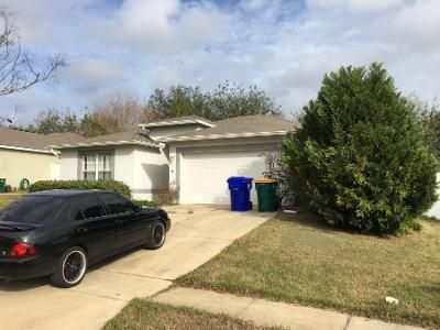3 Bed 2 Bath Preforeclosure Property in Tavares, FL 32778 - Tealwood Cir