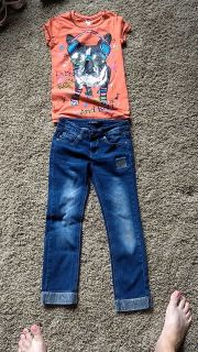 girls ankle length Vigoss jeans and shirt. size 7