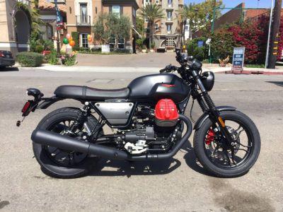 2018 Moto Guzzi V7 III Carbon Dark Standard/Naked Motorcycles Marina Del Rey, CA