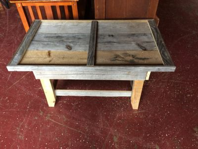 Small Farmhouse Solid Wood Coffee Table (hidden Drawer)