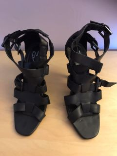 Strappy high heal sandals Size 7