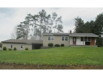 3 Bed 1.5 Bath Foreclosure Property in Westover, PA 16692 - Roland Dr