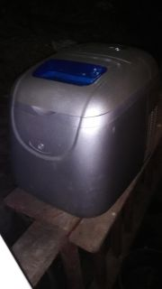 Electric Icemaker