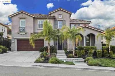 4610 Imperial St Antioch Six BR, Charming 2 story home with a