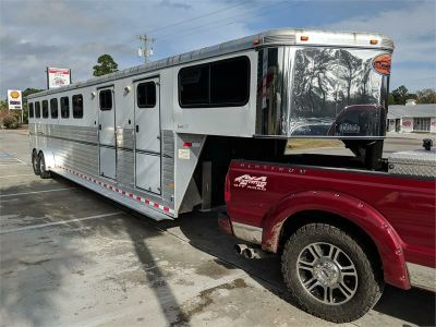 2010 Sundowner 6 HORSE TRAILER (White)