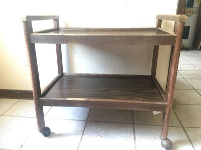 Rolling tv cart/stand