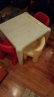 Playschool table with 4 chairs