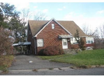 3 Bed 1 Bath Foreclosure Property in Endicott, NY 13760 - Wilson Ave