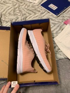 Size 8.5 champion tennis shoes new