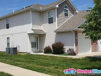 917 SW Imperial Ln, Blue Springs, MO 64064