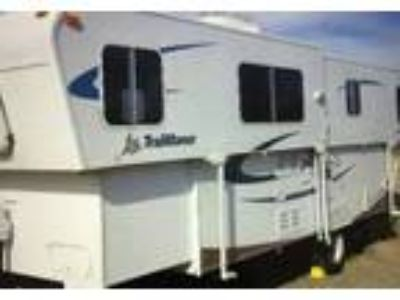 2008 TrailManor M2720SL Travel Trailer in Cheyenne, WY