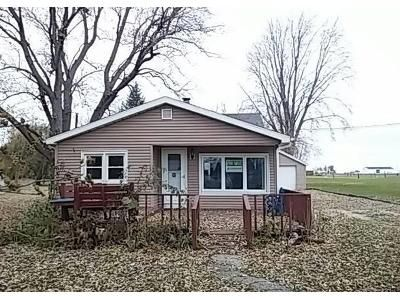 3 Bed 1 Bath Foreclosure Property in Decatur, IL 62521 - E Firehouse Rd