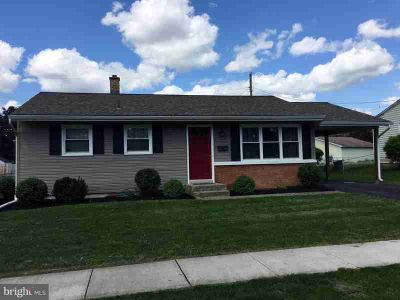 15 Theodore Ave MIDDLETOWN Two BR, Impressive remodeled ranch
