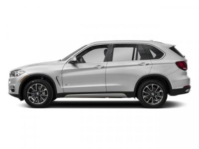 2018 BMW X5 xDrive50i (Mineral White Metallic)