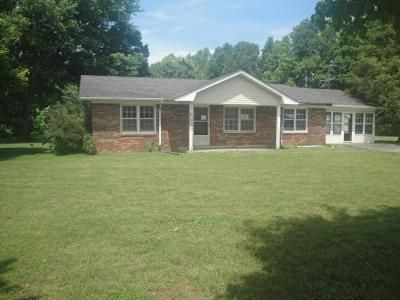 3 Bed 2 Bath Foreclosure Property in Hilham, TN 38568 - New Hope Rd