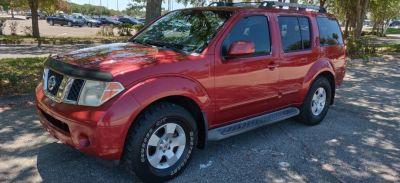 2005 Nissan Pathfinder XE (Burgandy)