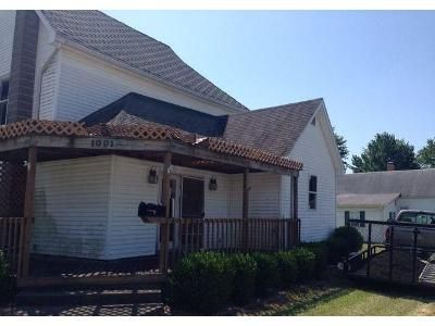 6 Bed 1.0 Bath Foreclosure Property in Clay City, IN 47841 - White St