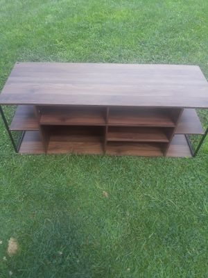 Large deal and particle board construction TV stand