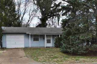 515 Impala Hazelwood Three BR, **GREAT DEAL*** is in the West