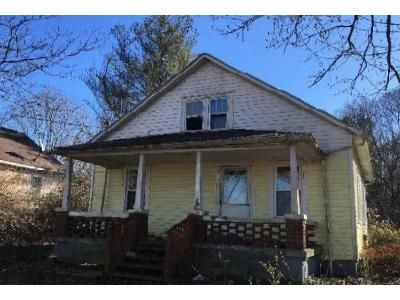 2 Bed 1 Bath Foreclosure Property in Jamestown, KY 42629 - E Cumberland Ave