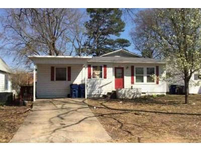 3 Bed 2 Bath Foreclosure Property in Fort Smith, AR 72903 - N 40th St