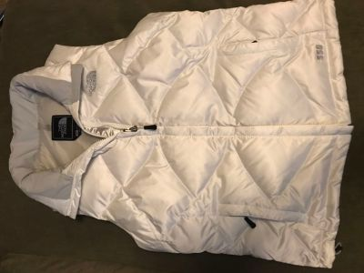North Face White Aconcagua puffer vest S small