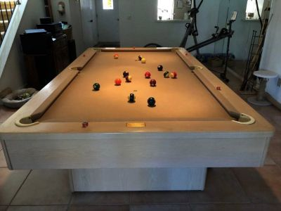 Beautiful 8' Olhausen Pool Table