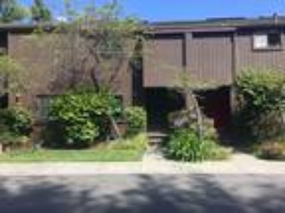 Remodeled Top to Bottom Townhome ~ Shelter Lagoon ~ Great Complex and Location