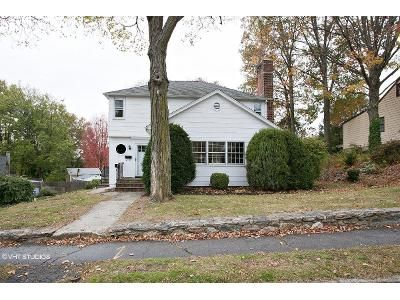3 Bed 1.5 Bath Foreclosure Property in Norwalk, CT 06855 - Strawberry Hill Ave