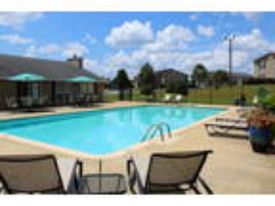 Hilltop Pines Apartments - Donahue