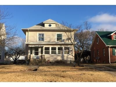 3 Bed Preforeclosure Property in Mattoon, IL 61938 - Edgar Ave