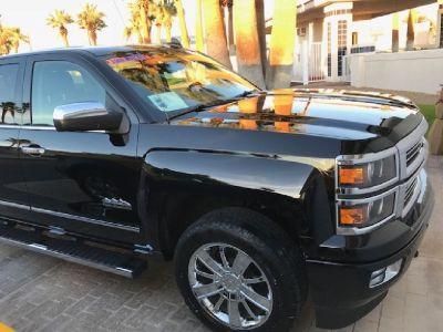 LIKE NEW 2015 Chevy Silverado 1500 HIGH COUNTRY