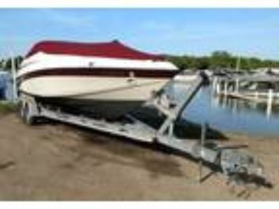 1999 Crownline 266-BR Power Boat in Wheeling, IL