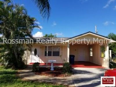ABORABLE HOME IN A GREAT LOCATION!