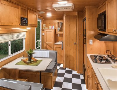 2017 Riverside Rv WHITE WATER RETRO 189R