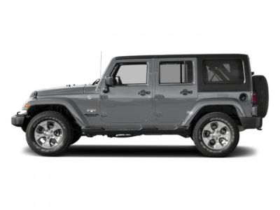 2017 Jeep Wrangler Unlimited Sahara (Billet Silver Metallic Clearcoat)