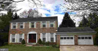 5165 Flowertuft CT COLUMBIA Four BR, Large Colonial with 2 car