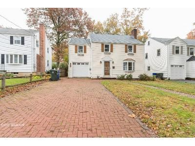 3 Bed 1.5 Bath Foreclosure Property in West Hartford, CT 06119 - Griswold Dr