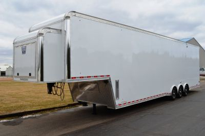 "2018 United Trailers Gooseneck 42' w/ 9' 6"" Int. Height"
