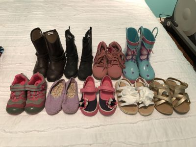 Size 10 toddler girls shoes (9 pairs)