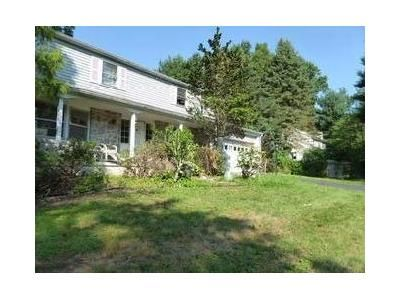 4 Bed 2.5 Bath Foreclosure Property in Pottstown, PA 19465 - Laurel Ln