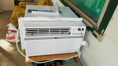 Window A/C unit with remote