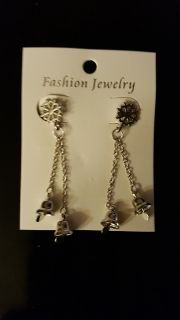 NEW PIERCED CHRISTMAS EARRINGS